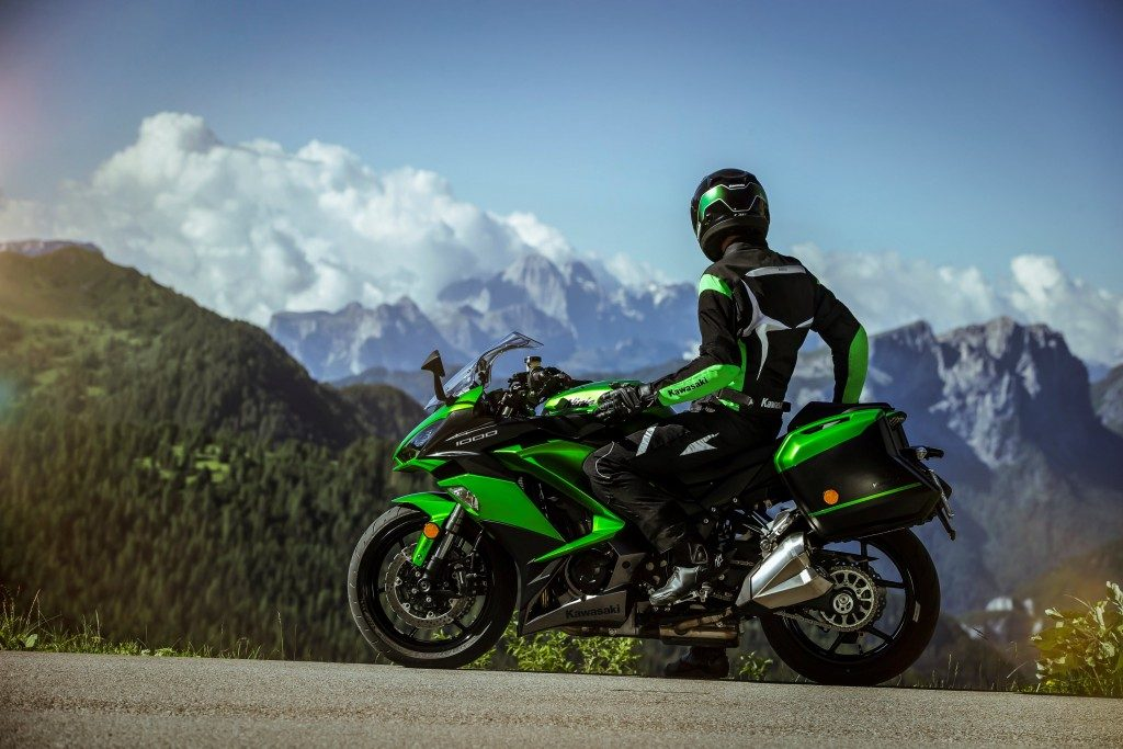 Kawasaki apresenta versões 2018 da Ninja 650 ABS e Ninja 1000